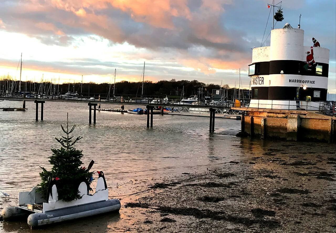 Christmas by the river Hamble